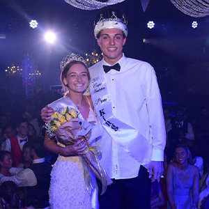 Share:  Cape celebrates 2019 Prom  Seniors Leah Marsh and Ryan Bixler were voted as Queen and King