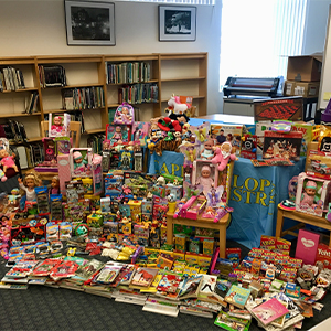Beacon Middle School Holds Toy Drive